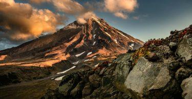 Península de Kamchatka, a terra dos vulcões