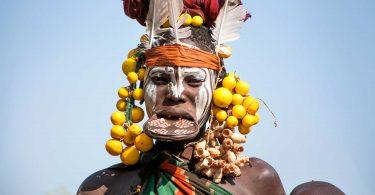 A tradição do disco labial na tribo Mursi